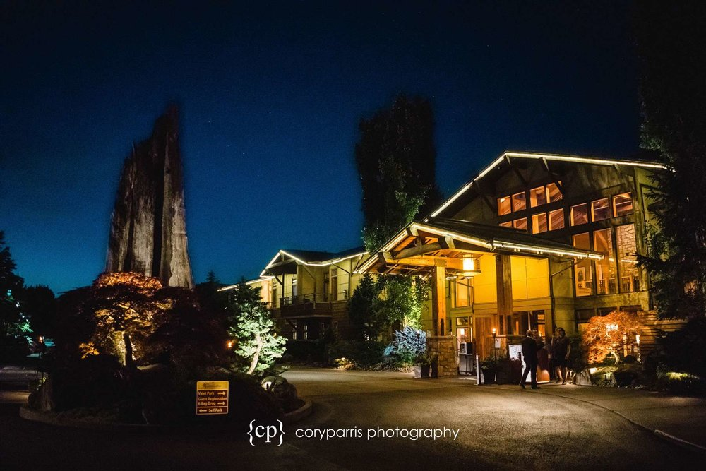 Willows Lodge at night.