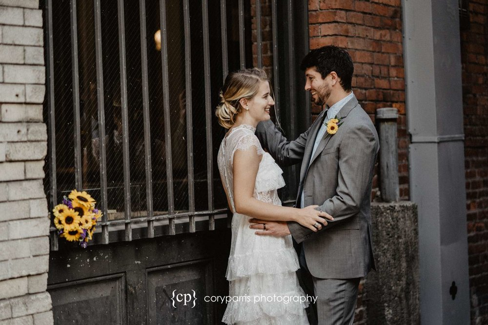 299-Seattle-Elopement-Courthouse.jpg