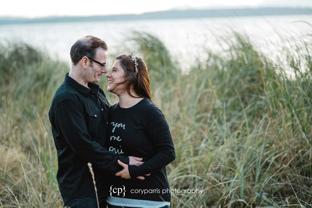 095-seattle-couple-portraits-golden-gardens.jpg