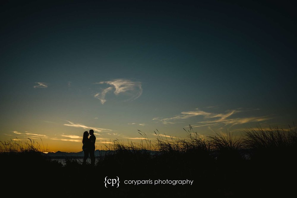 106-seattle-couple-portraits-golden-gardens.jpg