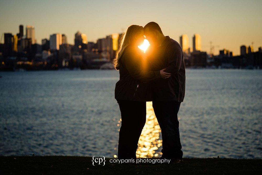 091-Gas-Works-Park-Engagement-Portraits-Seattle.jpg