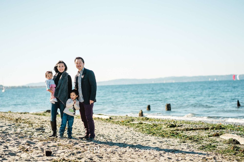 Seattle-family-portraits-golden-gardens-110.jpg