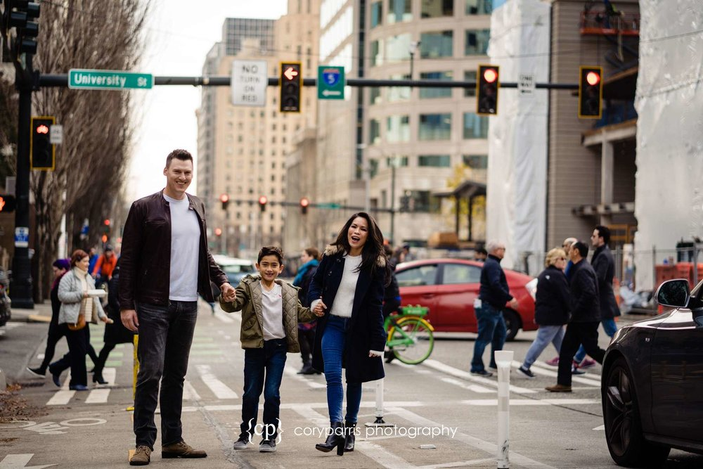 218-seattle-family-portraits-Pike-Place.jpg