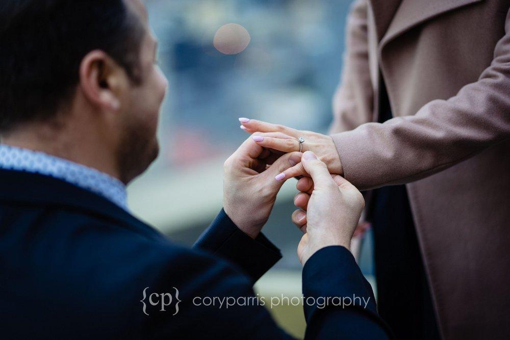 Space-Needle-Wedding-Proposal-0007.jpg