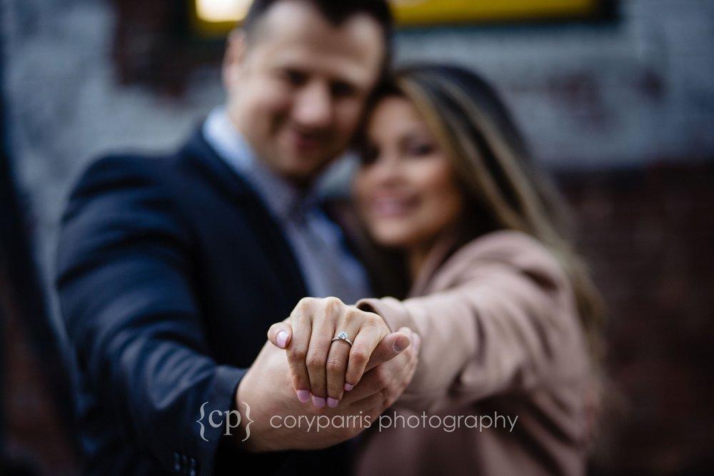 Space-Needle-Wedding-Proposal-0021.jpg