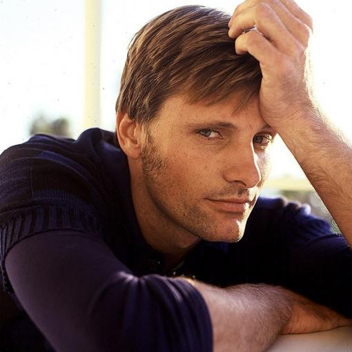 Viggo Mortensen - Aquarius Moon