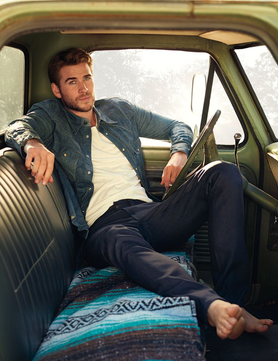 Liam Hemsworth - Mars in Sagittarius