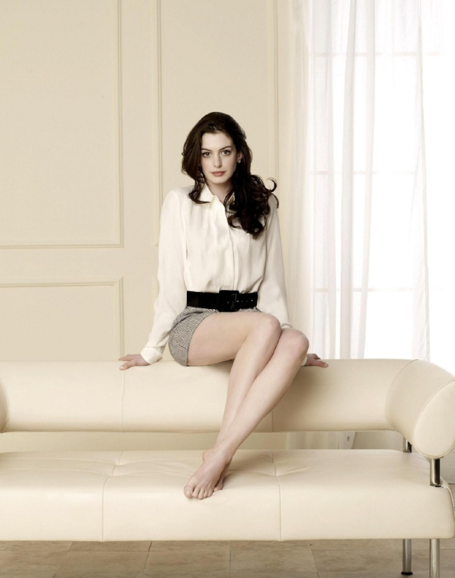 Anne Hathaway - The Charmer