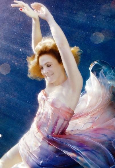 Drew Barrymore - The Romantic