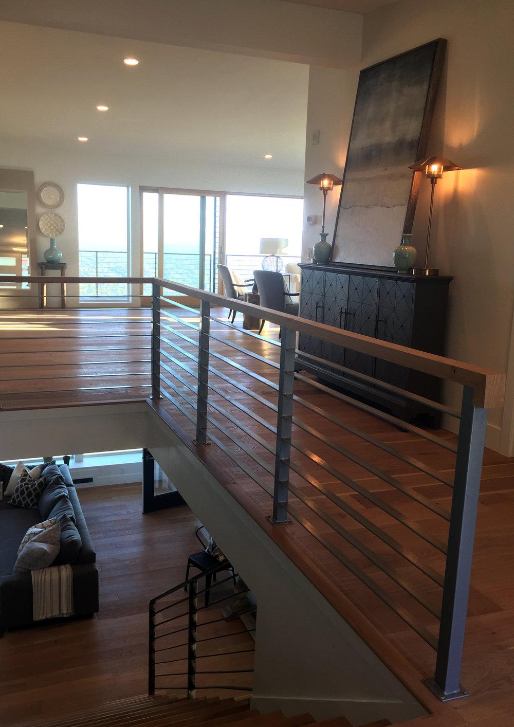 Horizontal Flat Bar with Wood Rail.jpg