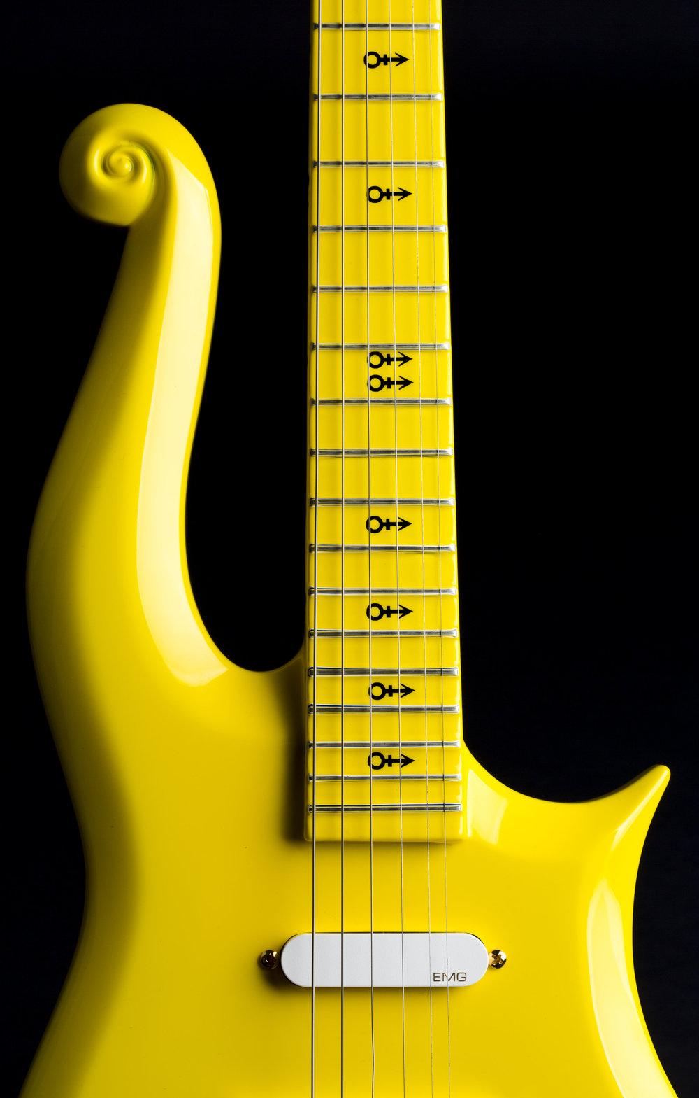 Prince_Cloud Yellow Guitar_HRC081434-31.JPG