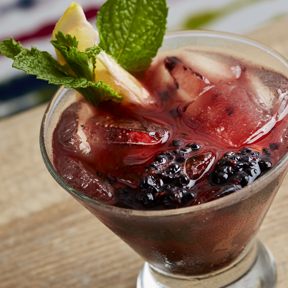 Bold Sips_Blackberry Peach Bramble_SM-2138.jpg