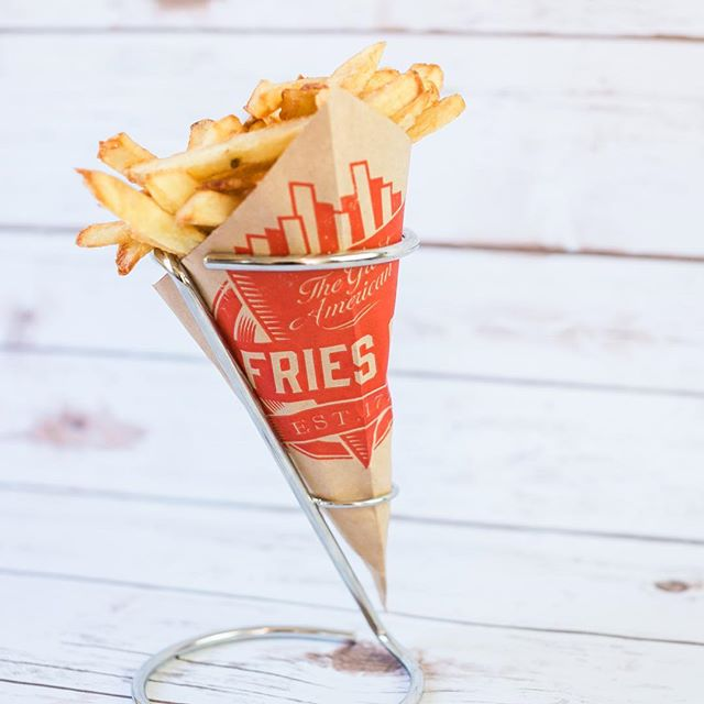 Wishing you all a very happy National Fries Day 🍟❤️🍟 If you love fries as much as we do please come on down and grab yourself a cone of fries to celebrate this epic day!!! Happy fryyay! . . . #nationalfriesday #greatfries #greatamericanfries #santamonica #santamonicapier #california #yum #fries #fryyay #welovepotatoes