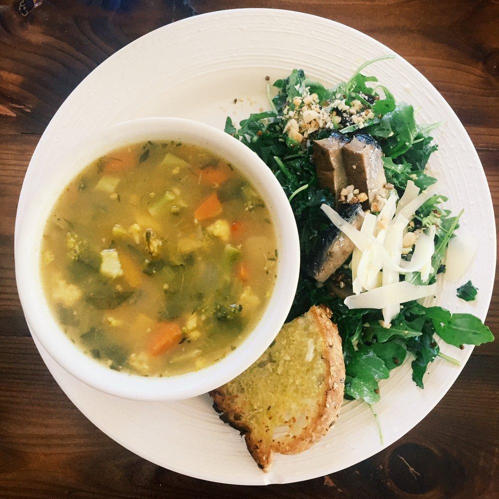 roast vegetable soup & arugula mushroom salad (combo)