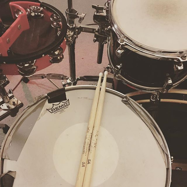 Kick... Snare... Kick... Kick... Snare #sketchclub #indierock #music #bakehousestudios
