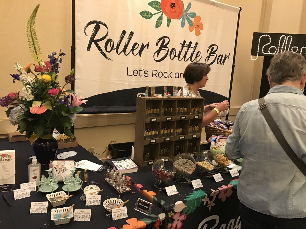 I loooved the concept of this booth and the setup, but a sister wasn't feeling the $20 pricetag for a roller blend. Still, marks for beautiful design and idea!