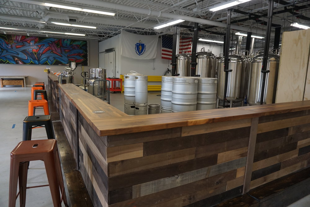 Great open space to watch some brewing and mingle.