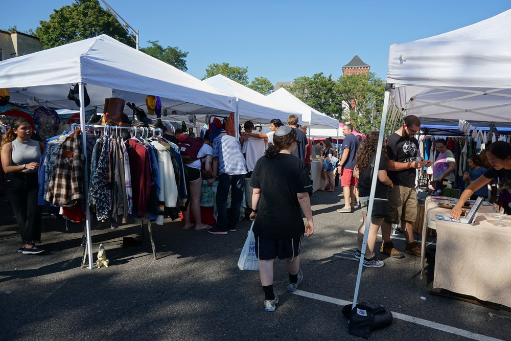 The market was fairly small, so it wasn't too overwhelming. Now if only the weather was cooler!
