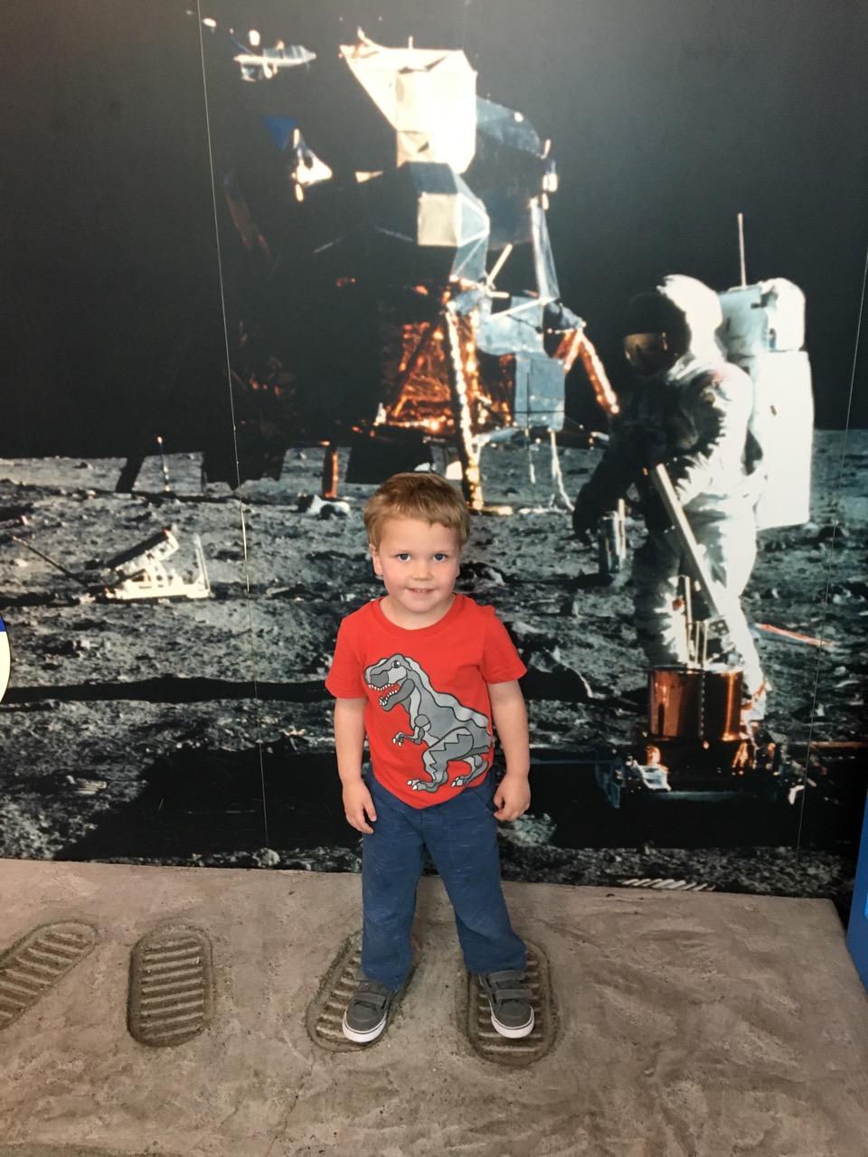 W21: An astronaut!