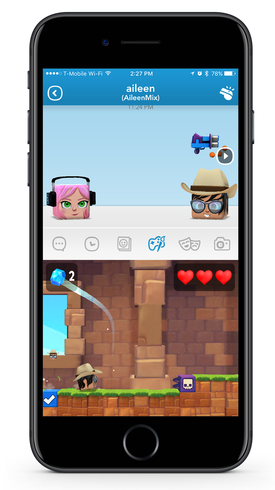 Play in Chat - Users can play 3D mini-games in chat seamlessly without ever leaving their conversation.