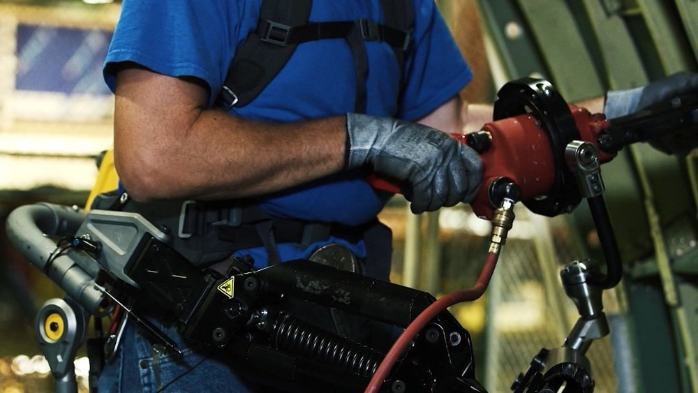 These Lowe's employees are now wearing exoskeletons to work - See the prespectives on this story