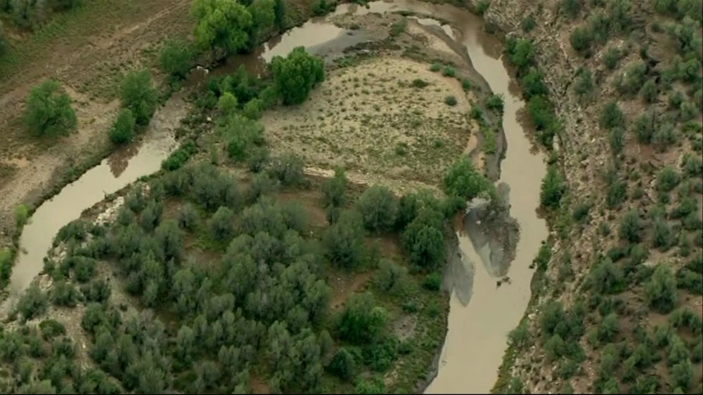 9 dead, boy missing in flash flood in Arizona swim hole - Ferret out this news story