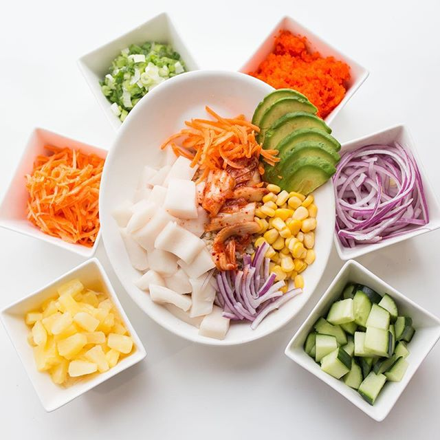 Bold freshness. . . . . . #seafoodlover #medley #freshsf #sanfrancisco #sanfran #sf #goodfood #pokeorigin #letseat #cutweight #dietfood #pokelove #love #greatpoke #oshinko #cucumber #onion #carrots #escolar