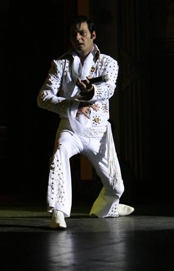 Elvis-7[1].jpg