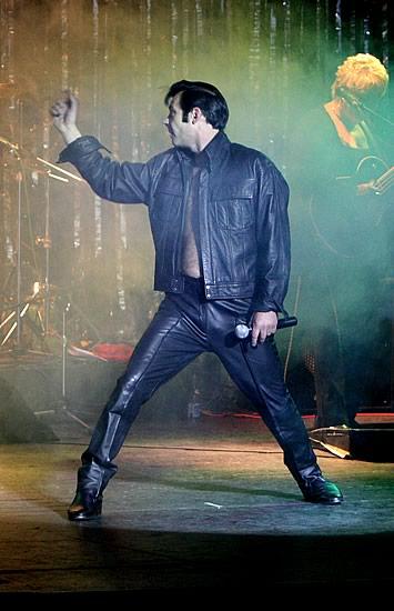 Elvis-8[1].jpg