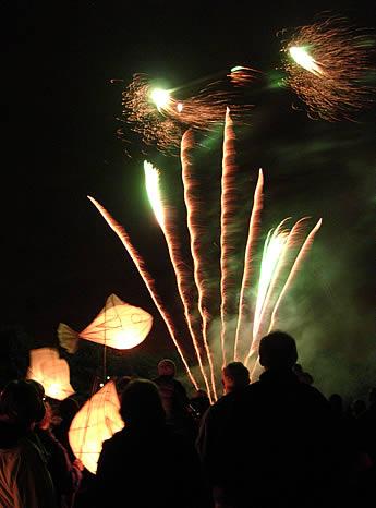 Fireworks2(30k).jpg