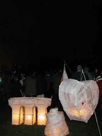 LanternsFireworksDark-121(15k).jpg