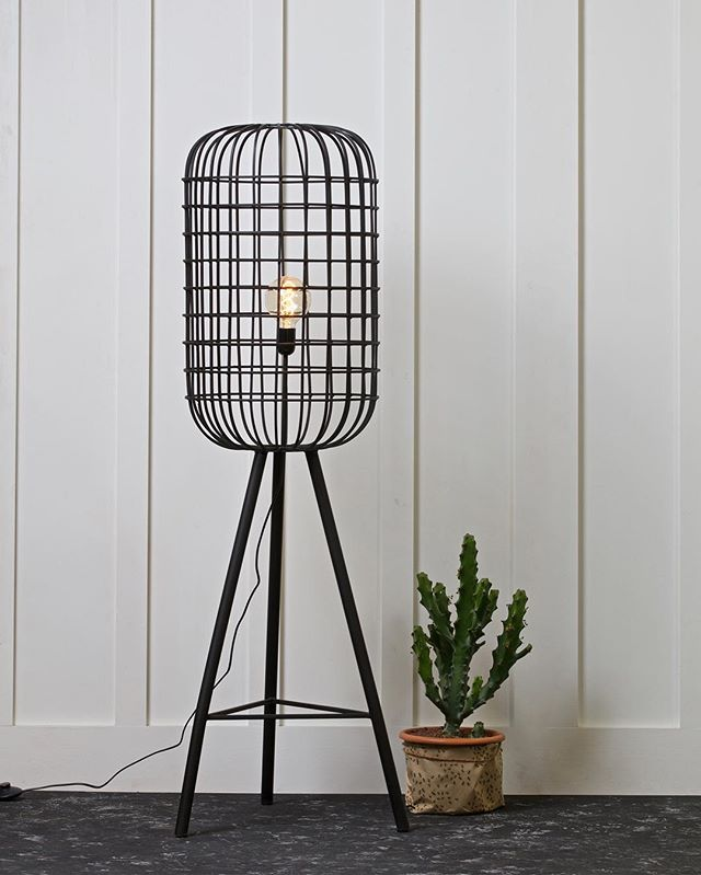We love this Hurricane Metal Floor Lamp by BePureHome from @cuckoolandcom 😍 Industrial and edgy!