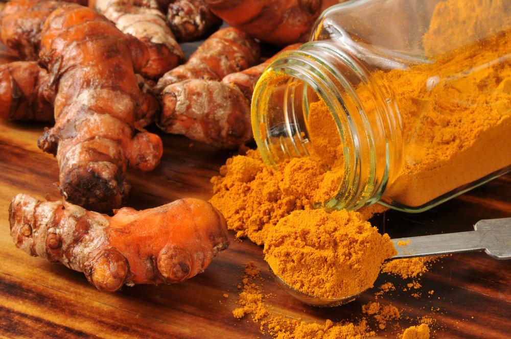 Kurkuma-mausteesta eristetty kurkumiini on tehokas nivelrikon hoidossa.