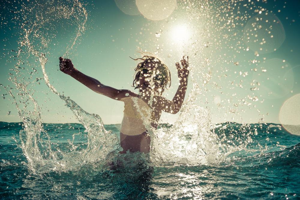 Auringonpaiste vedessä (S).jpg