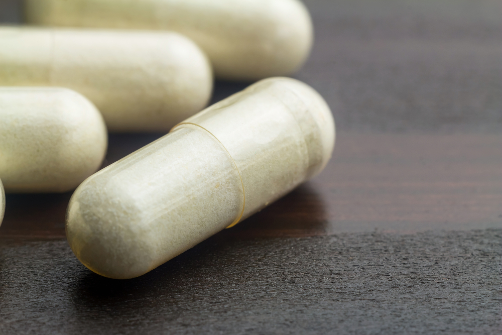 Nivelterveyden edistämiseen tarkoitetut ravintolisävalmisteet sisältävät usein kurkumiinin ohella esimerkiksi kondroitiinia, glukosamiinia, inkivääriä ja Boswellia serrataa.