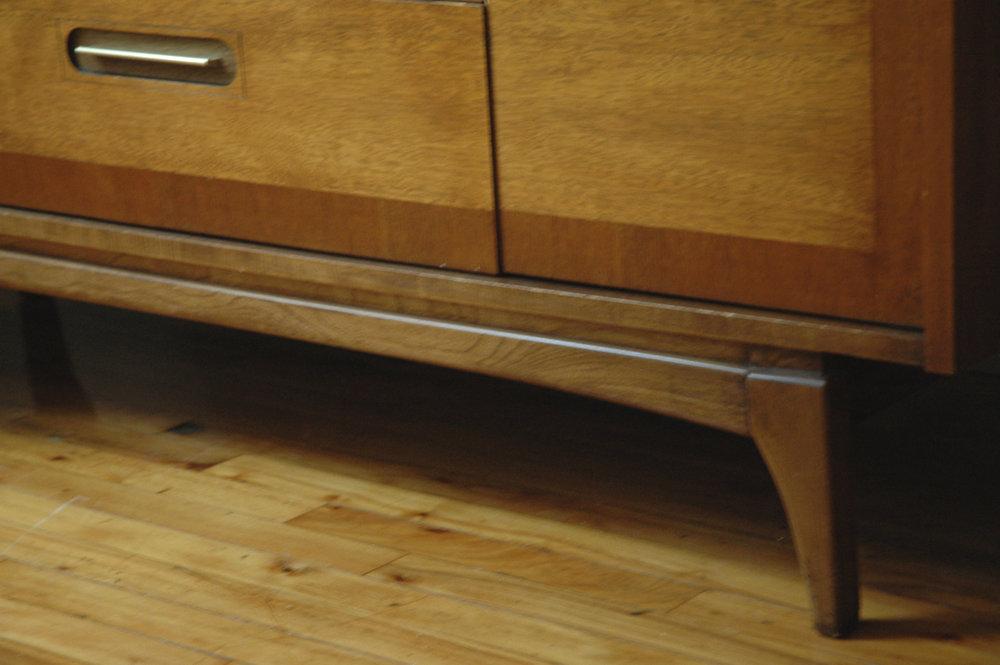 dutch style dresser