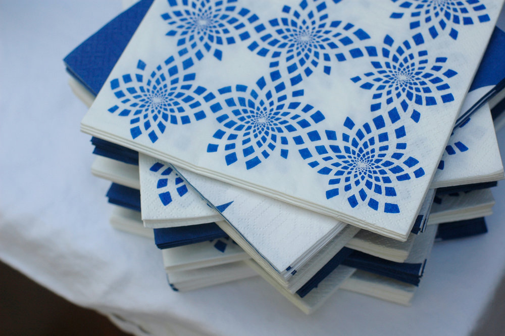 blue white napkins