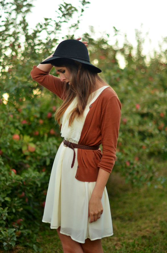 Autumn Style Fenimin White Dress Cardigan