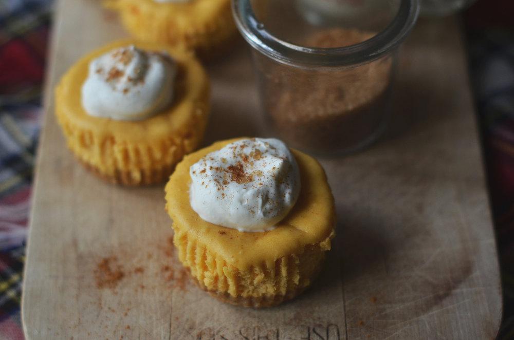 Mini Pumkpin Cheesecake Cupcakes Recipe