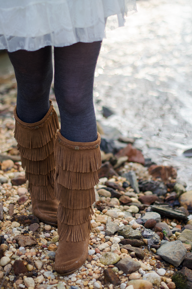 Fine and Feathered - Minnetonka 5 Fringe Boots