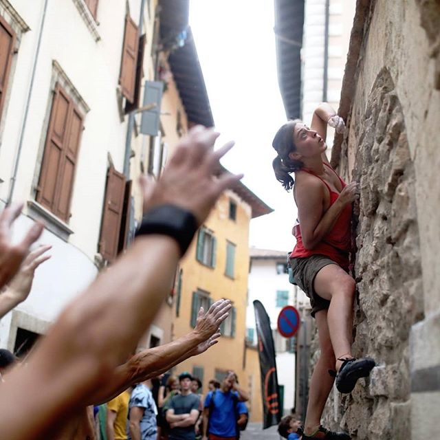Climbing the city streets. #Arco #Italy #Climbing . . . @rockmasterfestival #adventure #climbhigher #travel #climber #climbinggram #boulder #brunch #Streets #rock #city  @arcorockstar
