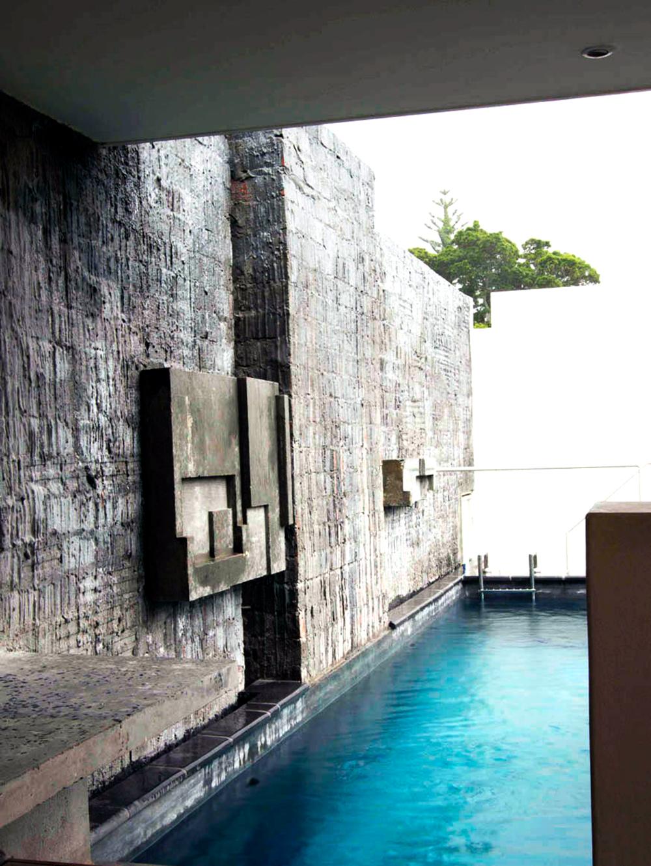 Idea , Concrete sculpture,1.2 m x 0.9 m m, Curated by  Antonio Zaninovic Architecture Studio ,Cape Town, 2011.