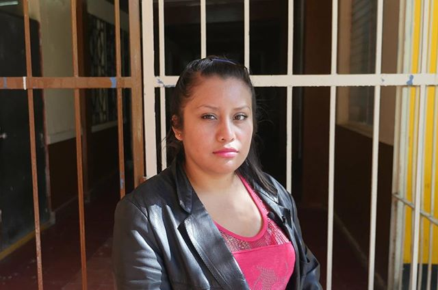 Evelyn Beatriz is 19 when she has a miscarriage. She became pregnant after a gang member raped her multiple times. Because of the rigid abortion laws in El Salvador, she is sentenced to 30 years in prison. Her rapist was never accused.  Jan De Deken en @roelnollet investigate the link between the abortion laws and gang violence in El Salvador. • • Photo (c) Jan De Deken and Roel Nollet • • #elsalvador #traveldeeper #woman #women #womenempowerment #womensrights #feminismo #feminism #instaphoto #journalism #documentary #documentaryphotography #abortion #strongwomen #instaphoto #instagood #instapic #ridewithus
