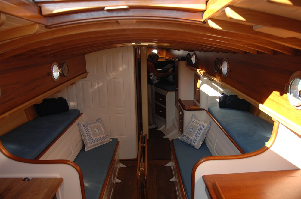 Newport 29  interior J Antinucci 002.JPG