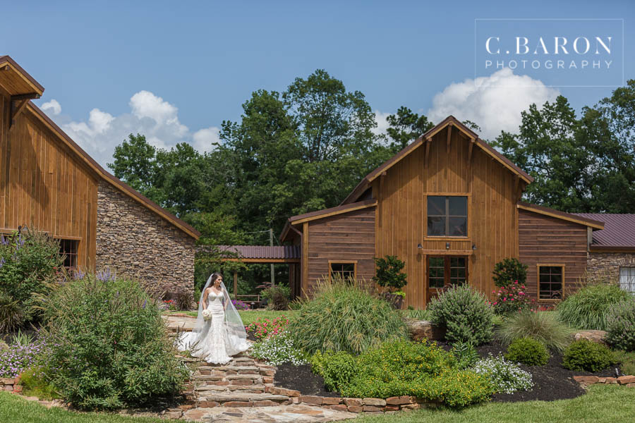 Big-Sky-Barn-Bridals-Michelle-C-Baron-Photo-129.jpg