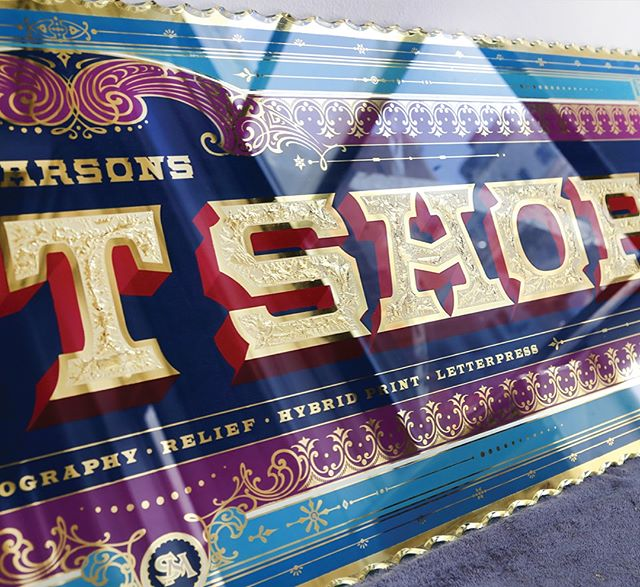 "A close up shot of the ""printshop"" sign I posted a picture of yesterday. Also a detail shot of the glue chipping texture inside of the letters. The technique of glue chipping along with the practice of sign painting and gilding, I learned from @davesmithartist Glue chipping is really a fun and explosive way to get the letters to stand out even more! #detail #close up #signmaking #signpainting #oneshot #1shot  #reverseglass #gluechipping #shadowtype #shadowletters #typography #lettering #handmade #craft #craftsmanship #art #design #illustration #gold #goldleaf #gilding"