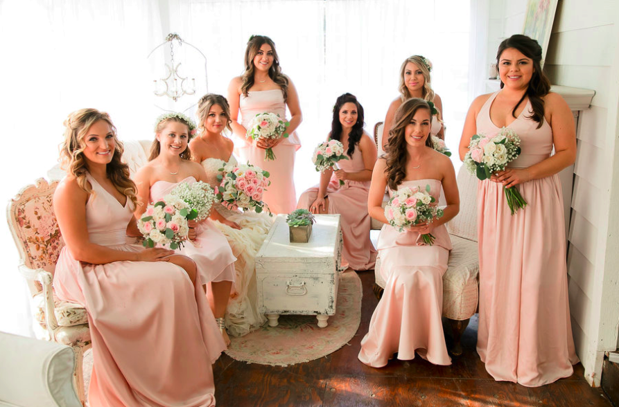 Shabby Chic Bridal Party Poses for Photos
