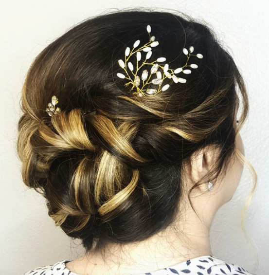 Bridal-Hair-Accessory-updo