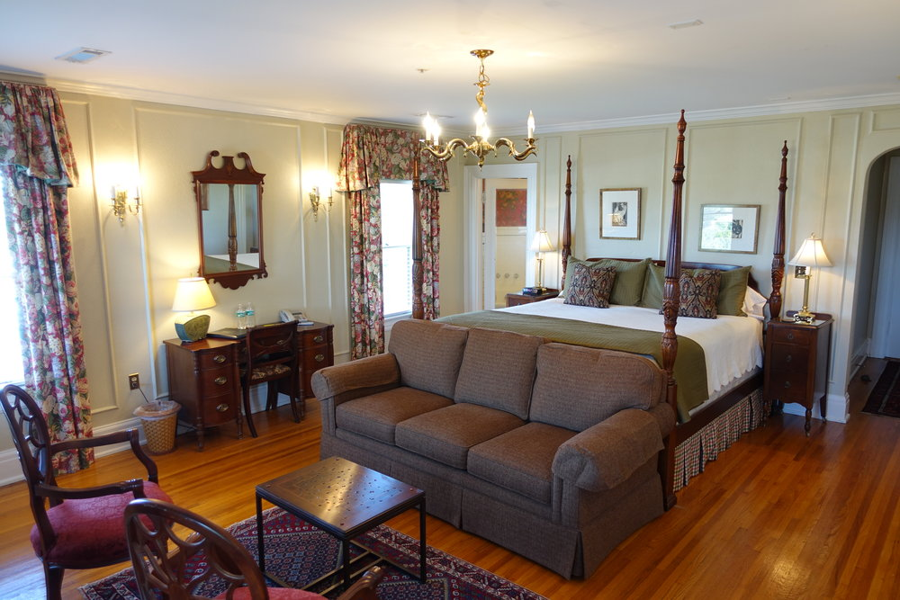 NewellRoom Bluff View Inn Chattanooga TN
