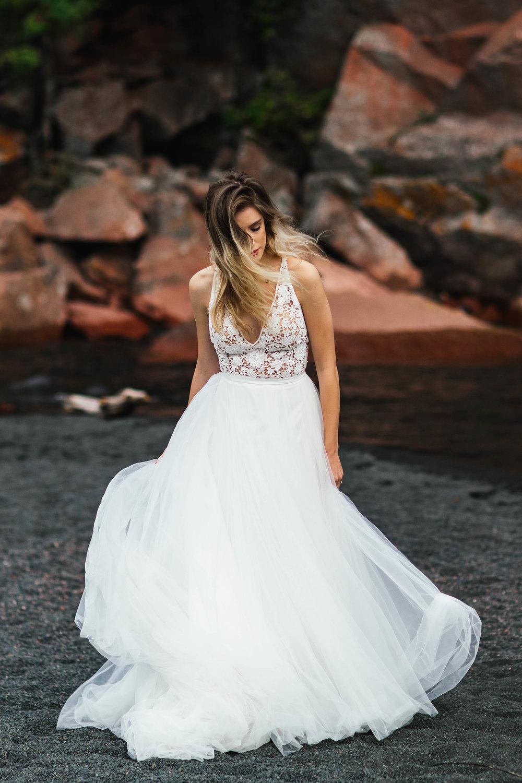 Duluth Minnesota Bride wearing a beautiful tulle dress